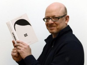 "Timur Vermes legge l'edizione tedesca di ""Lui è tornato"""