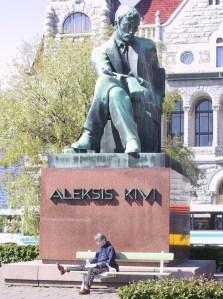 Statua di Aleksis Kivi ad Helsinki