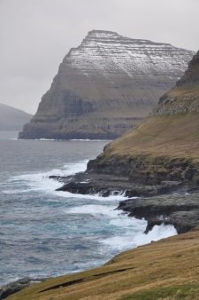 faroe_islands2c_vic491oy2c_eastern_shore_with_talvborc4912c_557_m